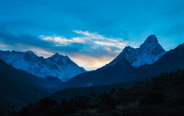 amadablam-sunrise